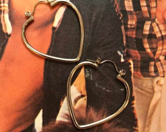 Vintage Heart Shaped Hoops 70s 80s POP style