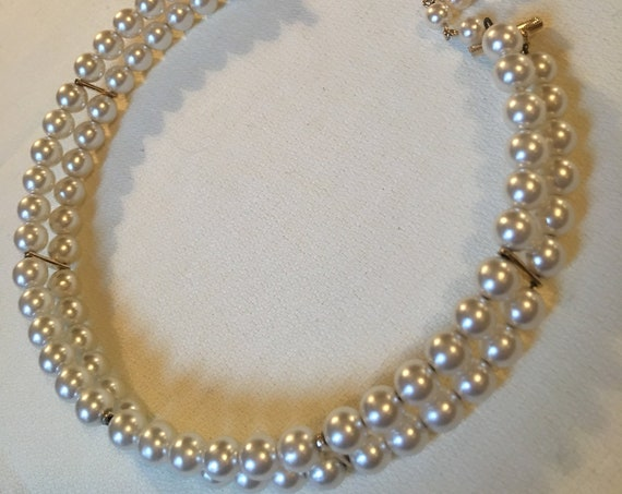 Vintage 70s Costume Jewelry Pearl Choker Necklace
