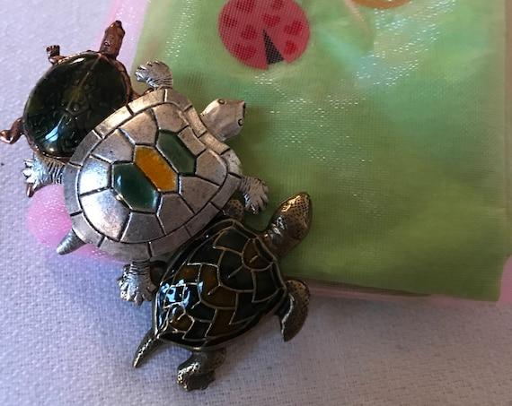 Bling Treat! 20 Dollar Bling goodie this one is an unworn Vintage Enamel trio of Turtles Brooch Great treat gift