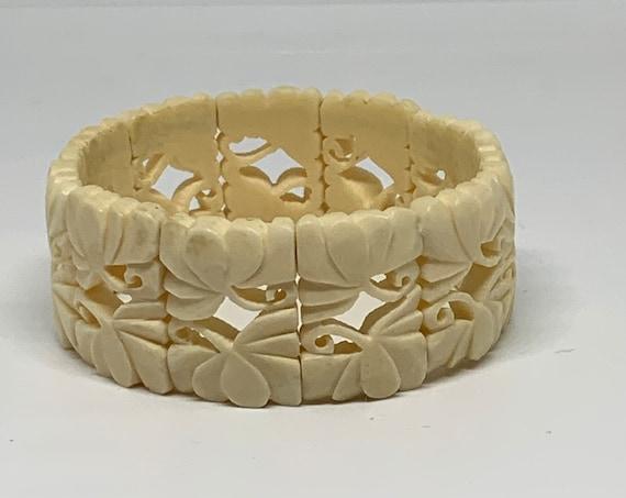 Vintage Art Deco White Panel Bracelet, Elegant Boho Tribal Carved Marrow Stetchty Cuff