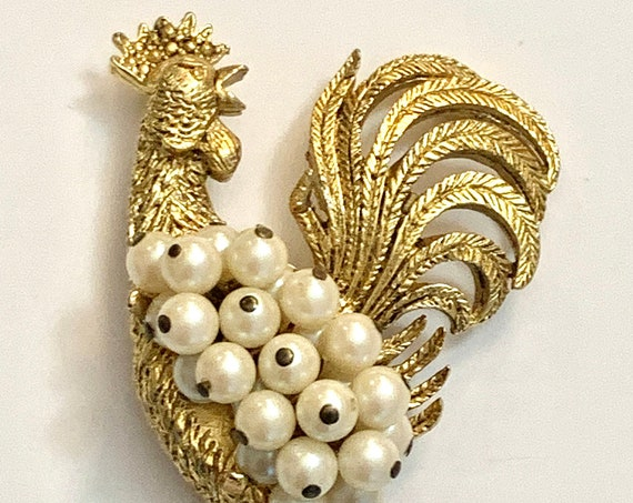 HOBE Pearl Rooster Brooch, Rare Signed Collectible Figural, Golden Cock Pin, Festive Unisex Lapel Pin