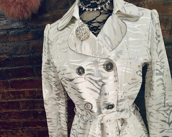 George Simonton Studio Metallic Silver Zebra Tiger Striped White Blazer Jacket Festive Party Jacket, Lined Animal Print  Coat size M