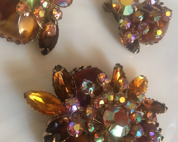 Root Beer & Amber Rhinestone Vintage Pin Earring Set, trending color, signed JUDY LEE vintage glamour jewelry