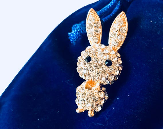 Bling Treat! 10 Dollar Bling goodie this one is a New Super cute Little Ice Rhinestone & Goldtone Bunny Rabbit Pin Great treat gift