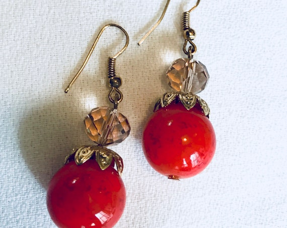 Beautiful Tomato Red Art Glass Bead & Crystal Earrings on goldtone wires