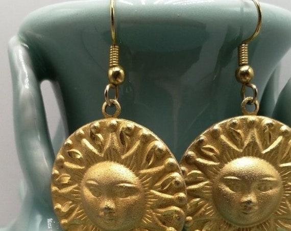 Rustic Matte  Goldtone Celestial Sun Sunshine Face Vintage Earrings
