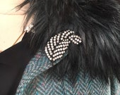 Pretty Japaned Black Ice Rhinestone Sexy Flirty Feather Brooch Pin nice on a hat