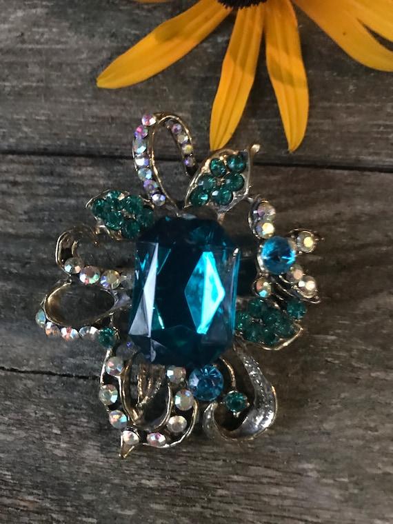 A Striking Peacock Blue Rhinestone Gem & AB Crystal Vintage Victorian Revival Cocktail Affair Party Brooch Pin