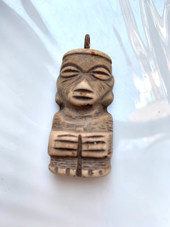 A Very Old Tiki God Pendant, Resin Tropical Island Totem Charm, Neat Collectible Tourism Souvenir, Luau Party Time!