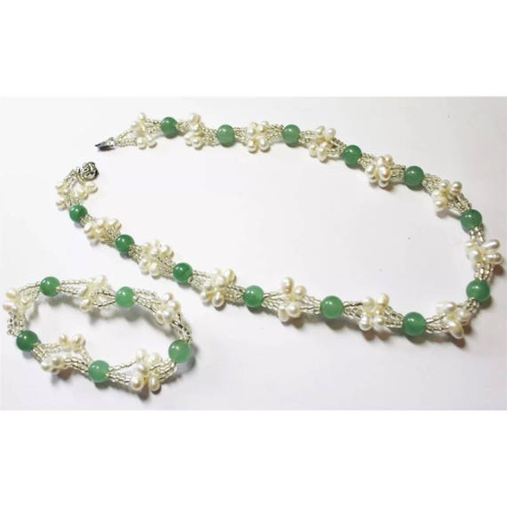 Green Jade and Water Pearl Necklace & Bracelet Set