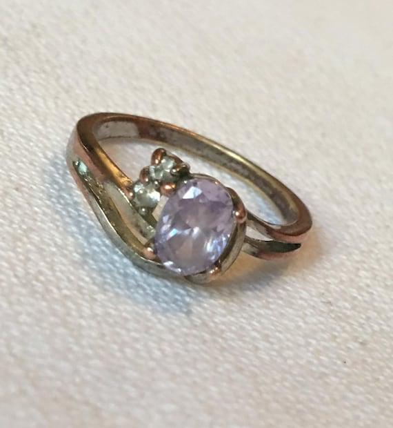 Dainty Lavender Gem Vintage Old Fashioned Romantic feminine Pretty Ring size 6