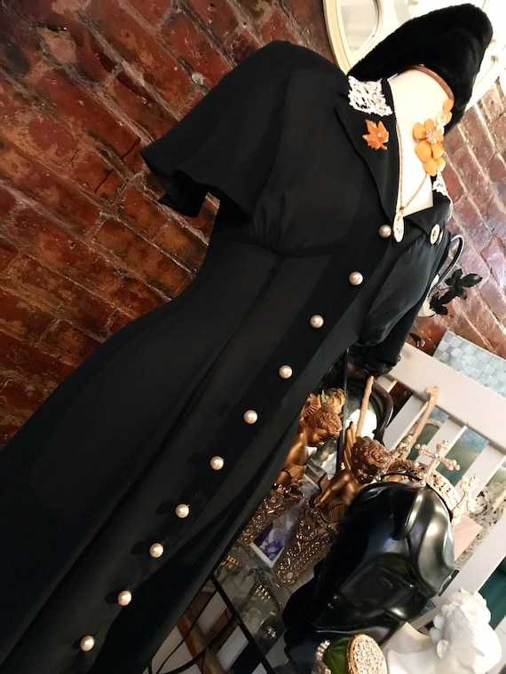 Vintage 90s Black Retro 40s Revival Glamour Grunge MTV generation Dress Lace Collar Pearl Buttons Shoulder Pads