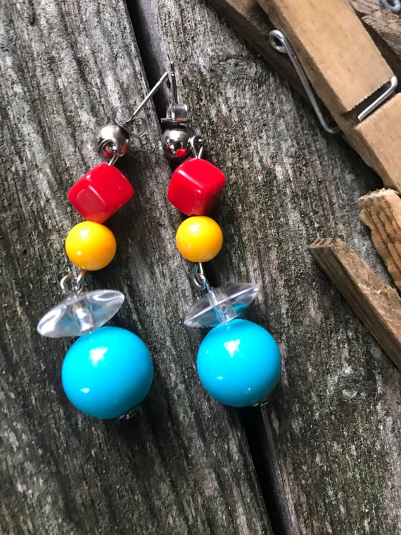 Cool Mid Century Rainbow Plastic Beaded Dangle Earrings