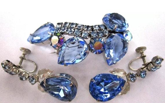 Beautiful Blue Glass Rhinestone Vintage Brooch  Pin & Earring Set