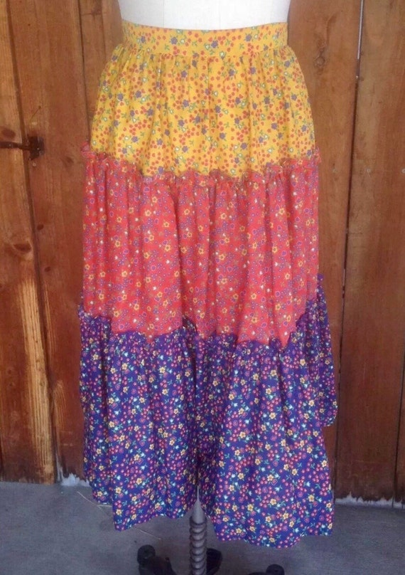 Calico Rainbow Prairie Skirt, Trending Summer Cottage Style Cotton 70s Holly Hobby Country Girl Fashion size Small