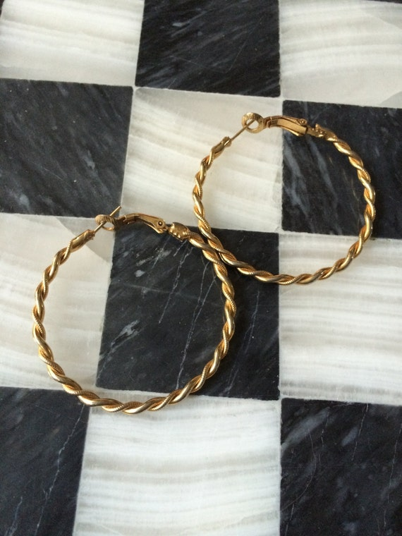 Vintage costume jewelry large gold tone Twisted hoop earrings- 70s DIsco Jewelry