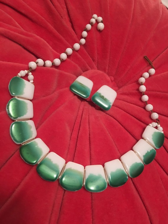 Western German Green and White Milk Glass Necklace and Earrings Set, German Mid Century Modern Choker Necklace & Earrings