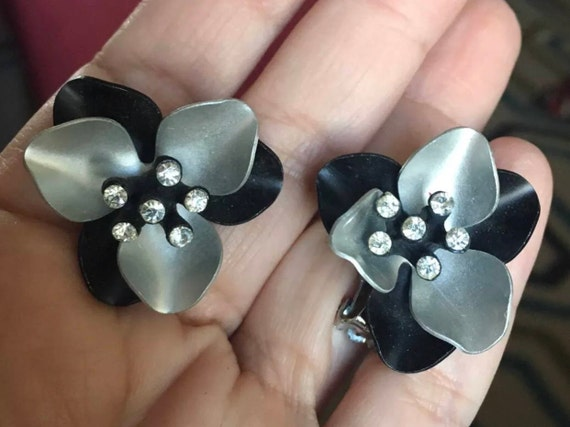 Fantastic Vintage Black Silver Enamel Metal Flower Earrings with Rhinestone Centers