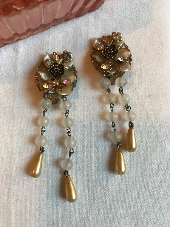 Beautiful VIntage Miriam Haskell Style Filigree Beads Faux Pearl & Rhinestone Flower Dangle Earrings