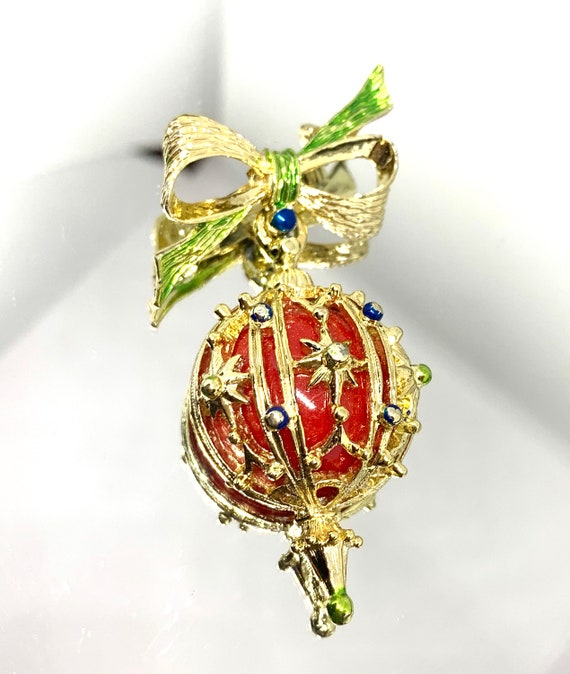 Vintage Lucite Red Christmas dangle Ornament Brooch with Ornate Golden Ribbon & bow, elegant Holiday Lapel Pin