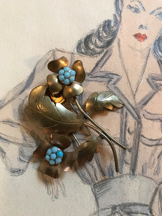 French Depose Pour Elle Polished Turquoise Stone Center Flower Golden Art Nouveau Fur Clip