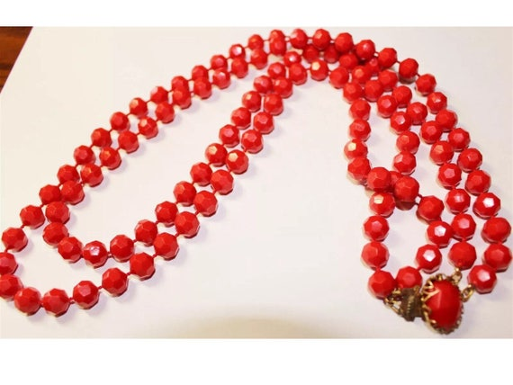 Rockabilly Cherry Red Lucite Beads, 50s Costume Jewelry, Vintage Necklace