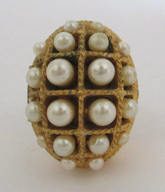 Avon Goldtone & Faux Pearl Adjustable Perfume Stash Bling Ring!