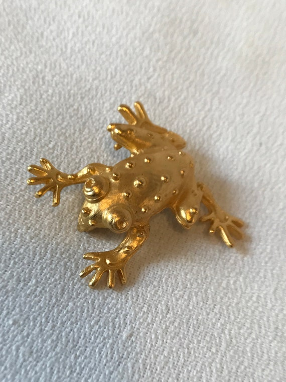 Vintage Matte Goldtone Frog Unisex Lapel Pin, Now Trending Perfect Gift For your Prince Charming