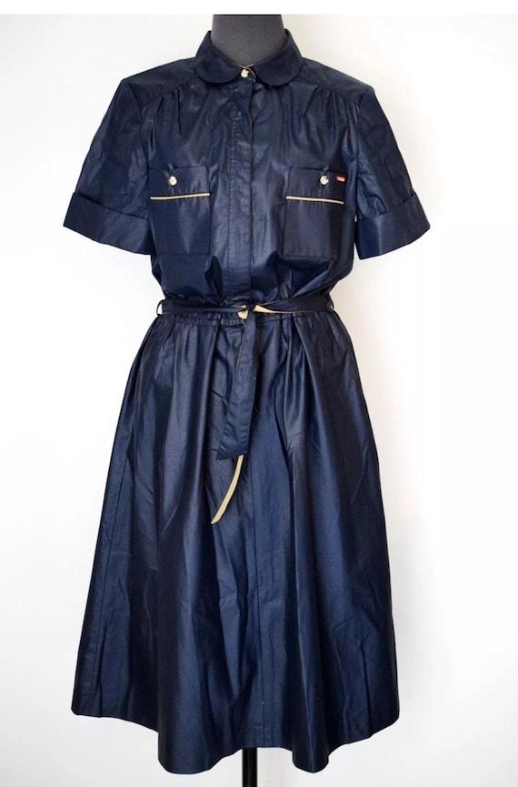 Sensational Mint condition 80's Vintage Sasson Shiny Navy Blue belted Short Sleeved Dress size 10