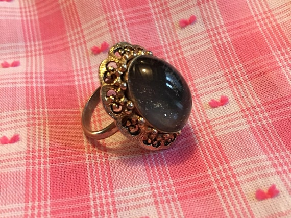 Vintage Mood Ring, Changes colors with your moods!  Still works! Huge 70s Fad Jewelry, Adjustible