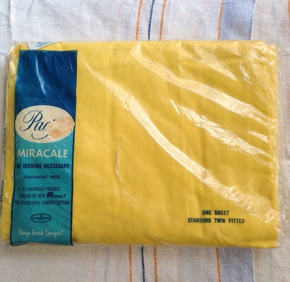 Vintage Pacific Miracle no iron bright Yellow perm press twin fitted bottom sheet - still in package