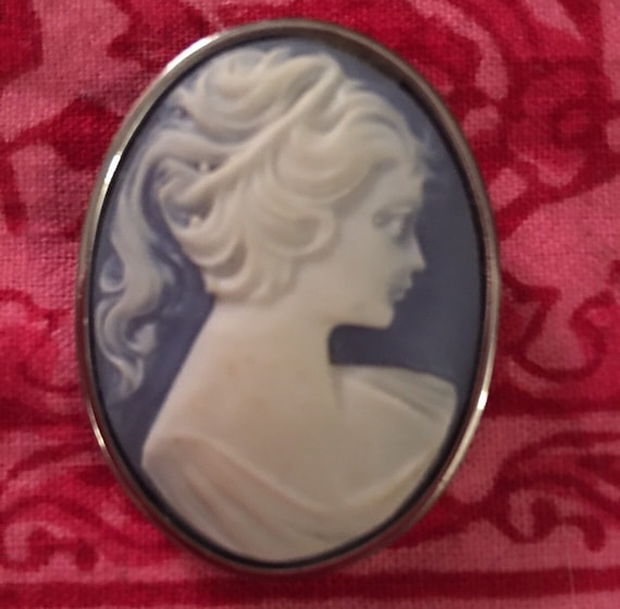 Vintage 1970's Blue Reproduction romantic lady Cameo pin Brooch