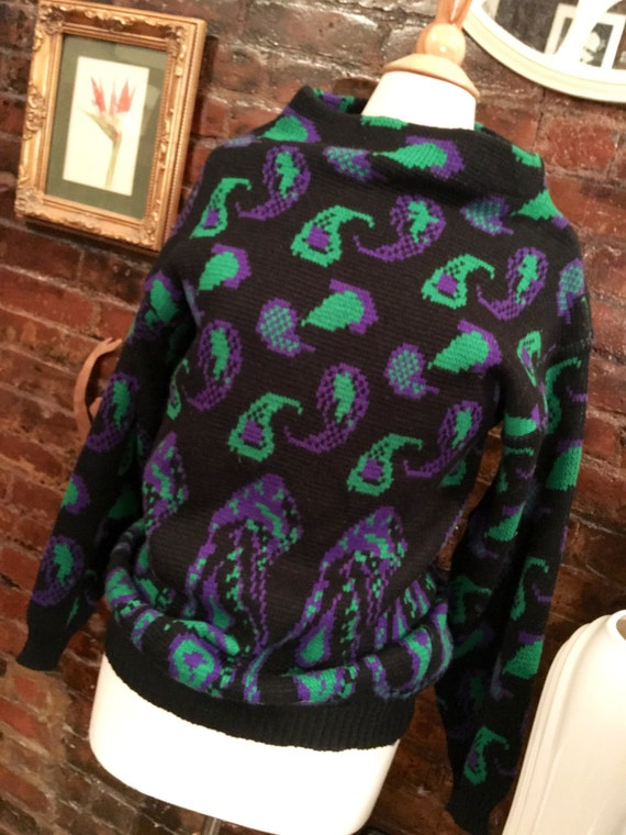 Vintage CRAYONS black purple & green paisley knit moc turtle sweater Size Medium