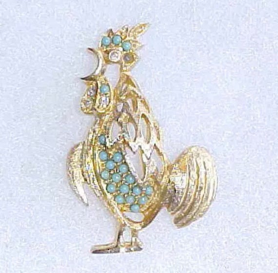 Mid Century Textured Gold Metal Rooster Cock Pin Brooch Turquoise Rhinestones, Now Trending Unisex Lapel Pin