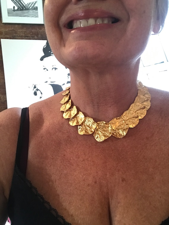 Breathtaking Runway Style Big Bold 80's 90's Bling Bright Matte Goldtone Chunky ABSTRACT MODERNIST choker NECKLACE