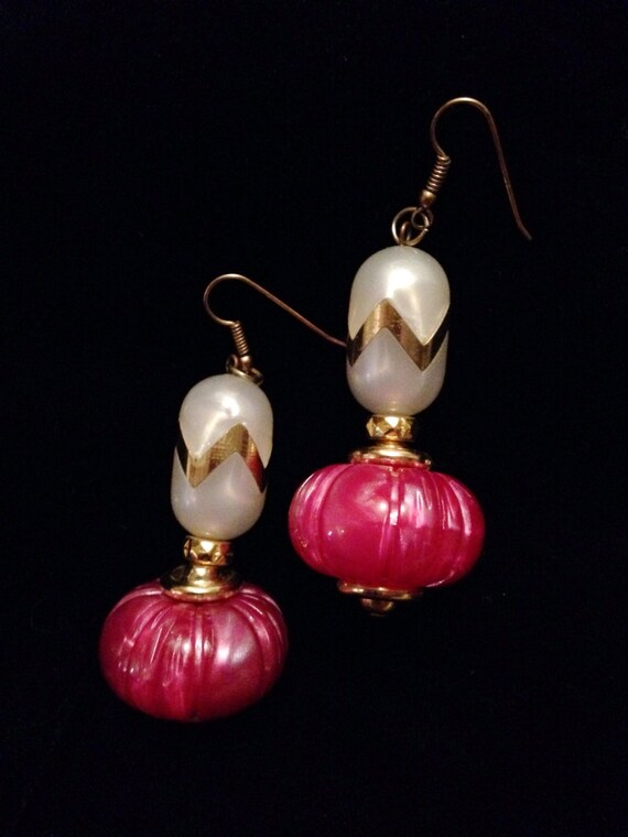 I Dream of Genie Bottle like  Hollywood Regency glamour jewelry Unique Pretty in Pink Dangle Earrings, mid century jewelry