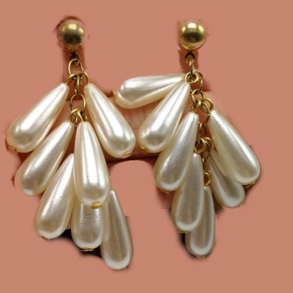 Vintage Pearl Teardrop Tassel Dangles, Now Trending 90s Glamour Jewelry Statement Earrings