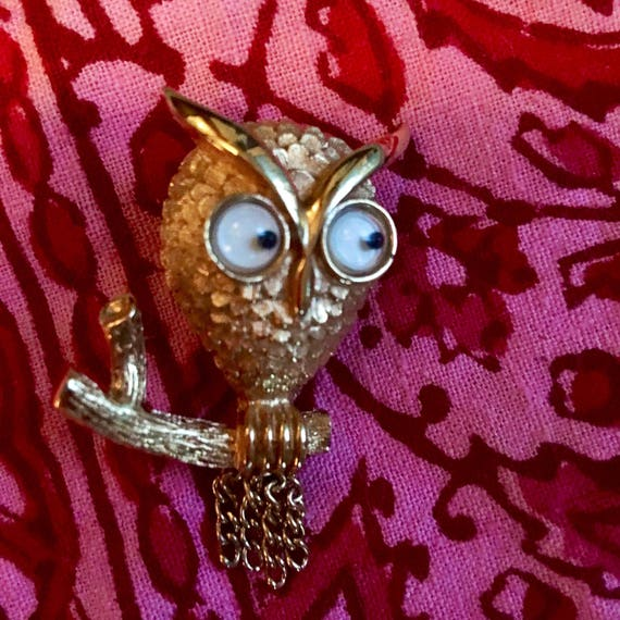 Kooky Googlie Eyed Goldtone Owl Brooch Pin Vintage by Avon