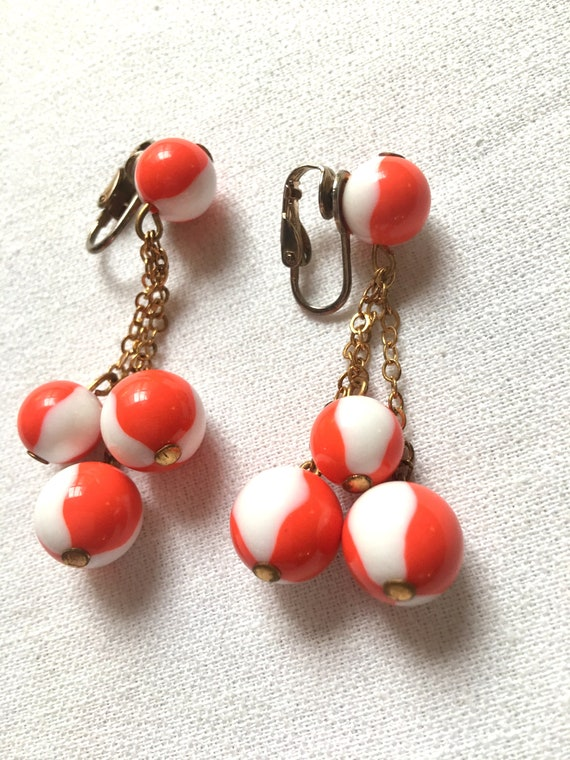 Mid Century Asian Orange and White Glass Beaded Dangle & Drop Goldtone Earrings