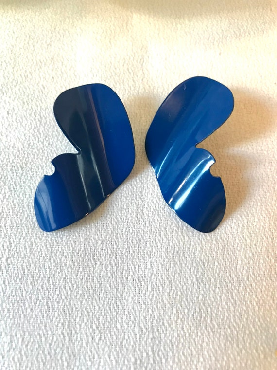 Blue Enamel Pressed Metal Abstract Wave Earrings, Classic Preppy Nautical Summer Jewelry, Ready for Cape Cod, Maine, the Hamptons