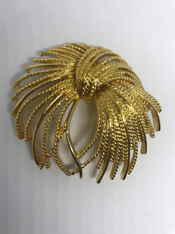 Monet Mirador Golden Sunburst Bow Vintage Brooch, Now Trending Unisex Lapel Pin, Mid Century Jewelry