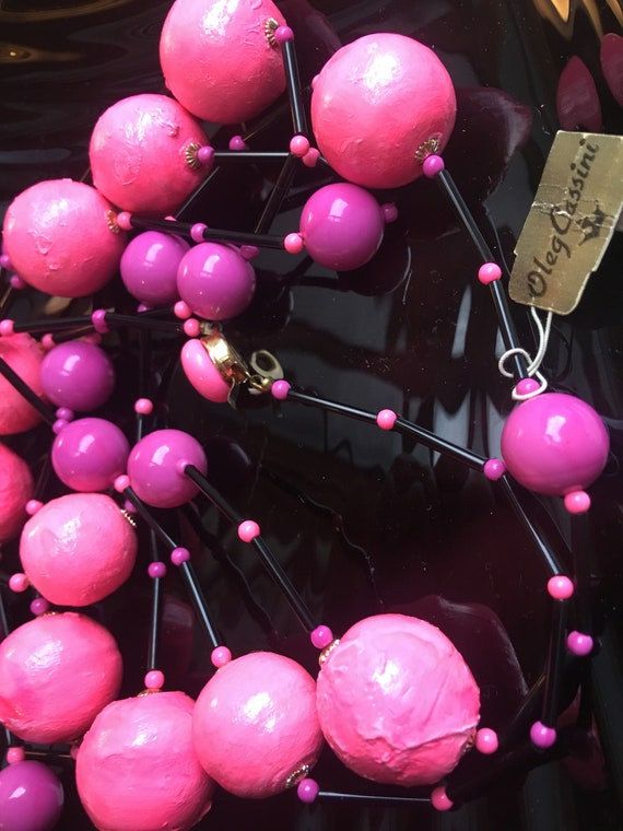 Vintage 1960s OLEG CASSINI Psychedelic Neon Mod Necklace NEW Old Stock, Hot Pink 60s Love Beads, Yeah Baby!