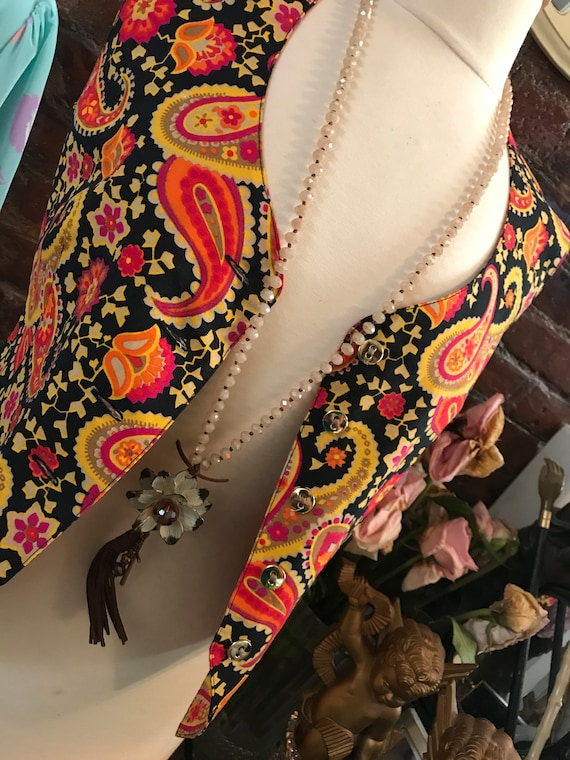 Amazing Vintage 80s Cotton Linen Paisley Vest By Italian Designer Byblos sold by Bergdorf Goodman Size S/M