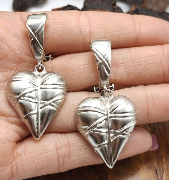 Vintage Brushed Silver Puffy Heart Doorknocker Statement Earrings, 80s Big Bling Glamour Jewelry, Valentines Day Gift