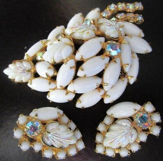 White Milk Glass Molded Leaves  with AB Rhinestone Vintage Pin and Earring Set, Hollywood Regency White and Gold Glamour Jewelry