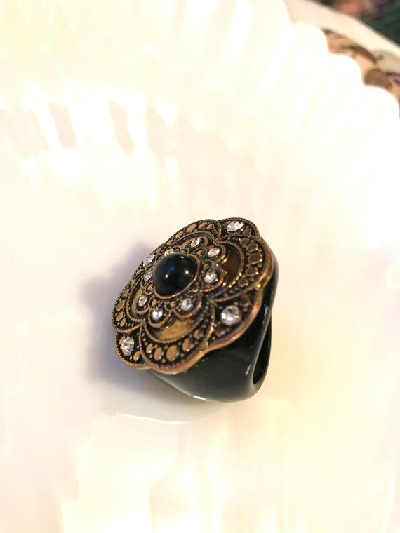 Big 80s Bling Black Lacquer Gold & Rhinestome Cocktail Ring size 7.5