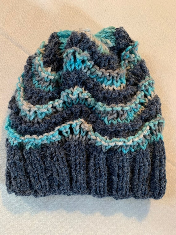 Groovy Vintage Hand Knit Hat, Retro 70s Blue Striped Winter Ski Hat, unworn