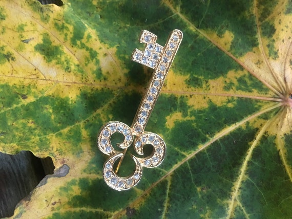 Rhinestone & Goldtone Skeleton Key Lapel Pin