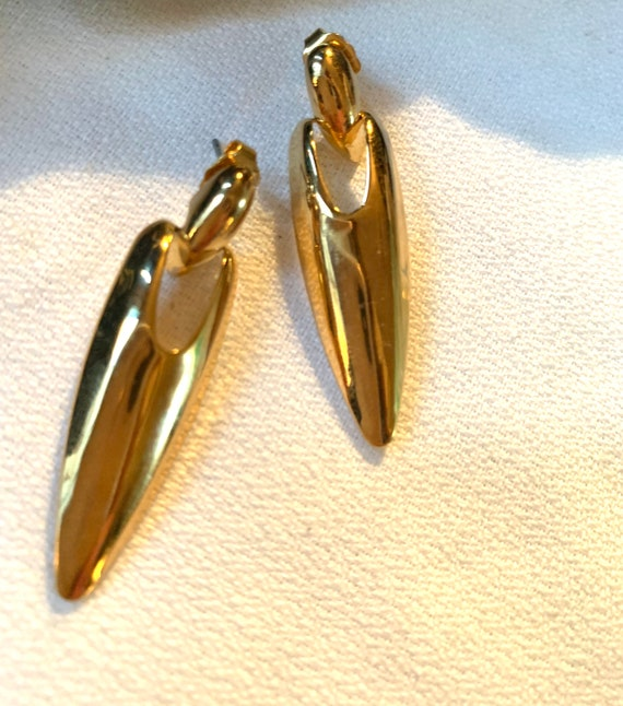 Vintage 70s Super fly Shiny Goldtone Modernist Long Pointed Oval Statement Earrings that look like Disco Gold fingernails!