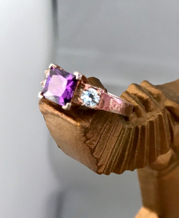 Beautiful Vintage Purple & Ice Rhinestone Emerald Cut Style Rose Goldtone Cocktail Bling Costume Jewelry Ring Size 8, sparkly and So Fun!